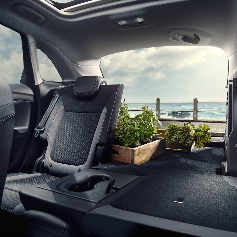 Crossland X Space and Versatility